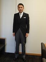 常任委員長は国会開会式で正装にて天皇陛下をお迎え・お見送りする